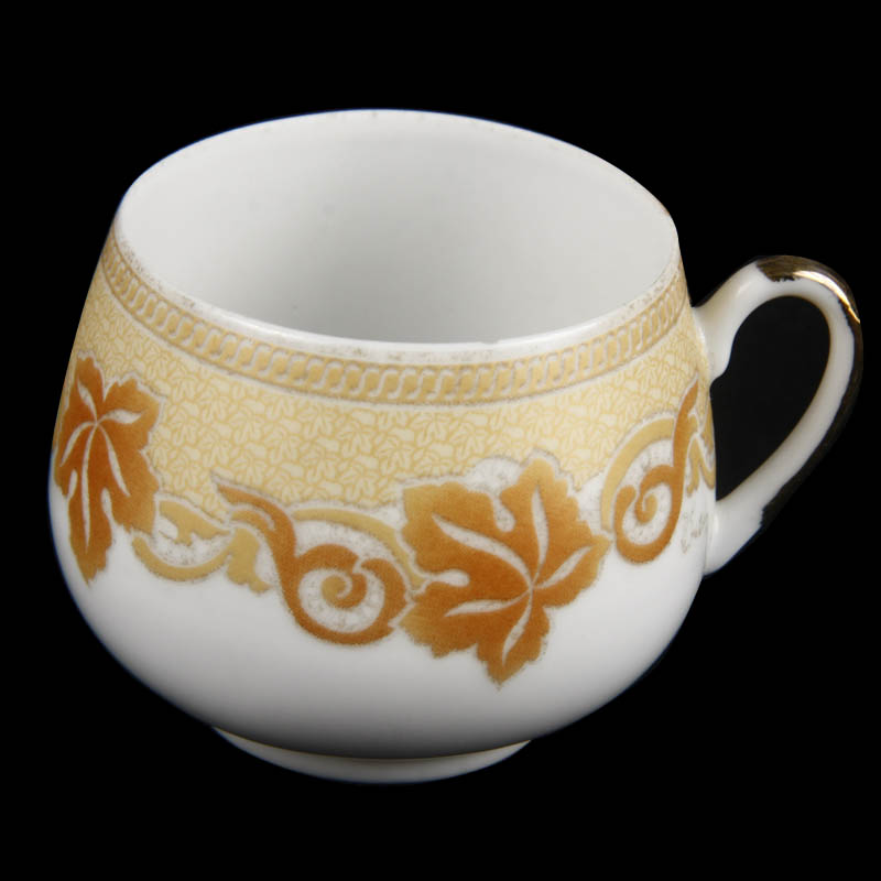 picture of cup and saucer